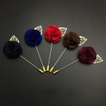 Promotional simple metal brooch, colorful fashion flower brooch with chain TBO-0007